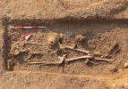 2 bin 200 yıllık mezarda göz kremi kabı bulundu