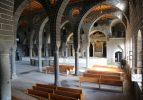 Teröristlerin tahrip ettiği kiliseleri devlet restore ediyor