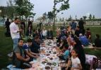Cumhurbaşkanı Erdoğan, vatandaşlarla iftar yaptı
