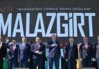 Dikkat çeken kare! Başkan Erdoğan coşkuyla karşılandı