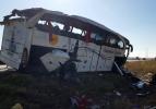 Kazadan görüntüler! Yolcu otobüsü devrildi...