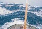 Okyanustaki dev dalgalarla mücadele!