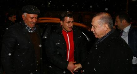 Erdoğan'dan dünya şampiyonuna ziyaret