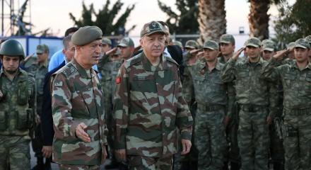 Erdoğan sınırda ünlülerle bir araya geldi