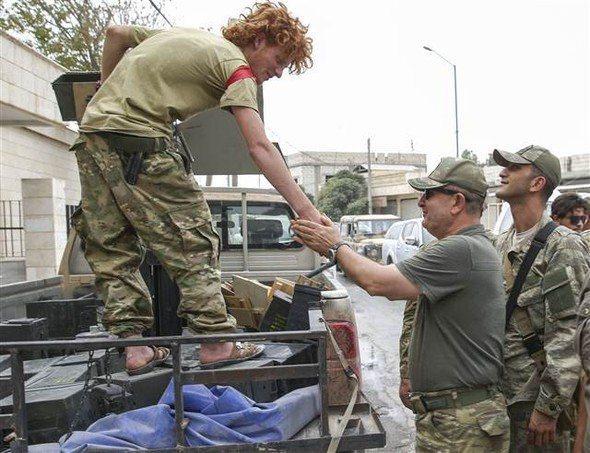 <p>Harekâtın sahada komutanlığını 2. Ordu Komutanı Korgeneral İsmail Metin Temel yönetirken, bölgede Özel Kuvvetler Komutanı Korgeneral Zekai Aksakallı ile 150 kadar Özel Kuvvet mensubunun bulunduğu öğrenilmişti.</p>  <p></p>