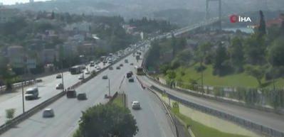 15 Temmuz Şehitler Köprüsü'nde kaza! Trafik kilit