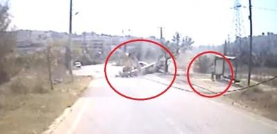2 kişinin öldüğü kaza güvenlik kamerasına yansıdı