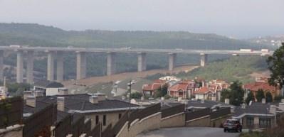 3.Köprü bazı bölgelerde konut fiyatlarını düşürdü