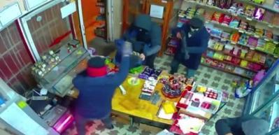 5 maskeli kişi tarafından gasbedilen market sahibi: Şaka sandım