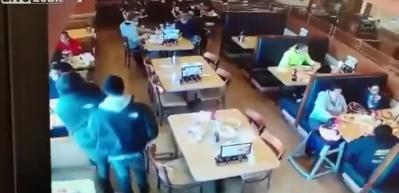 Restoranda dehşete düşüren olay!