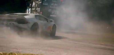 800 beygirlik canavar hız festivalinde tozu dumana kattı