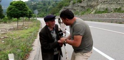 87 yaşında 32 km ters yol gelen dede