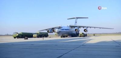 Uçak ülkeye teker koydu! Rusya'dan S-400 hamlesi! Bir ilk olacak