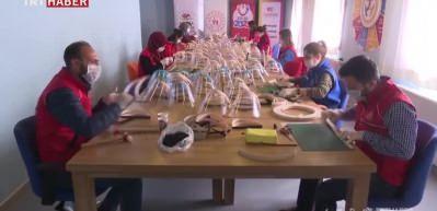 Gençlik merkezleri günlük 40 bin korumalı maske üretecek
