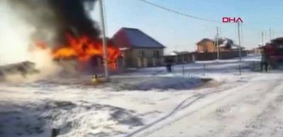 İtfaiye erleri dehşeti yaşadı! Yangın çıkan ev...