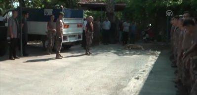 Özel harekat polisleri Hakkari'ye uğurlandı