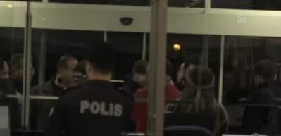 Podolski'ye Antalya'da coşkulu karşılama