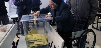 93 yaşında oy kullanma duyarlılığı