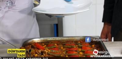 Afyon'a özel usullerle pişirilen patlıcan musakka lezzeti