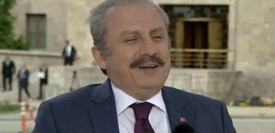 AK Partili Şentop CHP'nin sürpriz adayını canlı yayında öğrenince kahkaha attı
