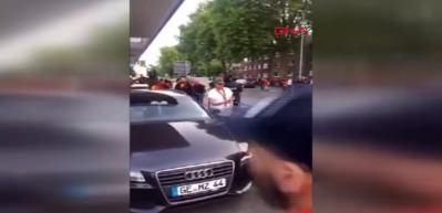 Alman polisinden sarı-kırmızılı taraftara köpekli saldırı!