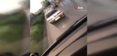 Ambulansa yol vermeyen sürücü kamerada
