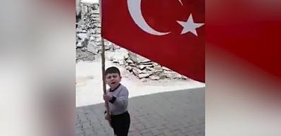 Asker oğlu minik Muhammet'ten Gündoğdu Marşı