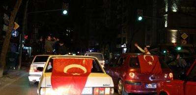 Asker uğurlamasında Kadıköy'ü birbirine kattılar