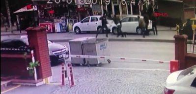 Ataşehir'de cadde ortasında çatışma kamerada