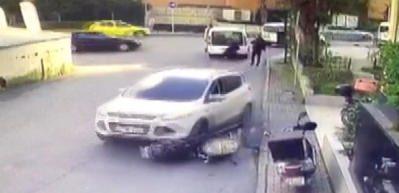 Ataşehir'de kapkaç dehşeti kamerada