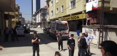 Ataşehir'de yangın: 1 ölü, 3 yaralı