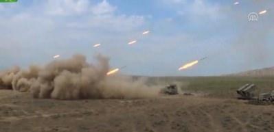 Azerbaycan ordusunun geniş kapsamlı tatbikatı sürüyor