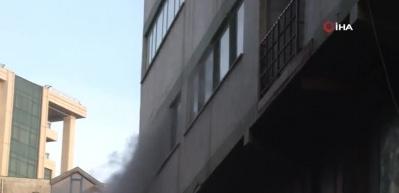 Bağcılar'da korkutan imalathane yangını