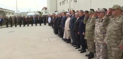 Bakan Akar, İdlib'deki hain saldırıda şehit olan askerlerimiz için düzenlenen törene katıldı