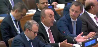 Bakan Çavuşoğlu: Gözlerimizin önünde felaket yaşanıyor