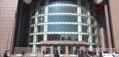 Bakırköy Adliyesi'ne baltayla gelen sanığa beraat