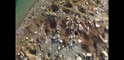 Barajda sular çekildi, kemik parçaları ortaya çıktı