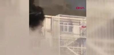 Başakşehir'deki patlamada mahsur kalan bir kişi böyle kaçtı!