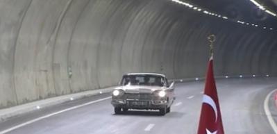 Başbakan Yıldırım 1957 model aracı kullandı