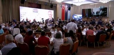 Başbakan Yıldırım türkü söyledi