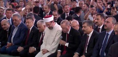 Başkan Erdoğan canlı yayında Kur'an-ı Kerim okudu!