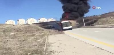 Başkent'te otobüs yangını!