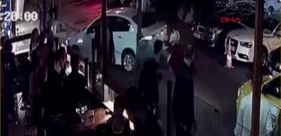 Beşiktaş'taki başörtülü öğretmene saldıran kadın gözaltına alındı
