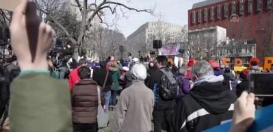 """Beyaz Saray önünde """"ulusal acil durum"""" protestosu"""