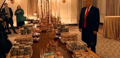Beyaz Saray'da tuhaf saatler! Trump, yemek ısmarladı