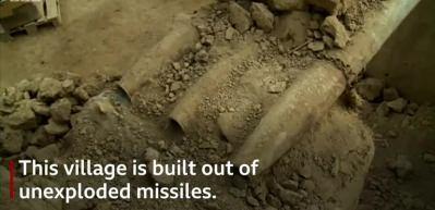 Bir köyü bombalarla inşa ettiler