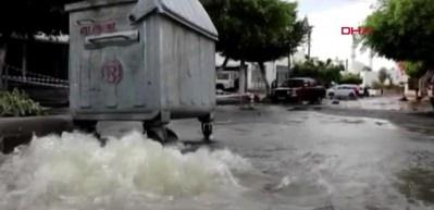 Bodrum'da sel felaketi... Cadde ve yollar sular altında kaldı