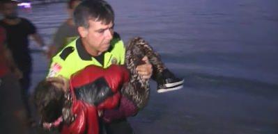 Bodrum'da can pazarı! Çocukları denizden topladılar