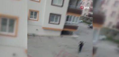 Borcunu alamayan adam av tüfeğiyle siteyi bastı