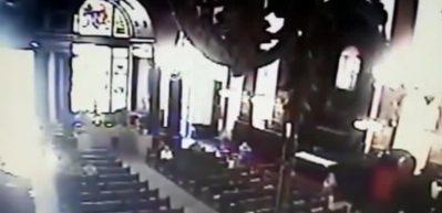 Brezilya'da kiliseye silahlı saldırı kamerada!